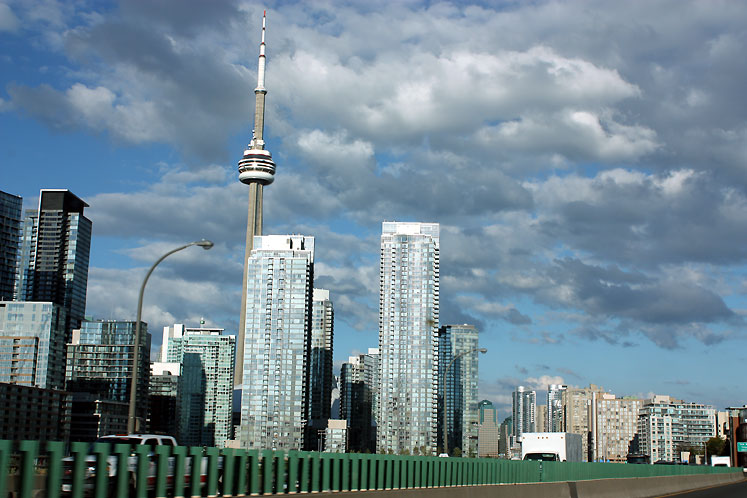 Toronto Photos :: CN Tower :: A view on condominiums and CN tower from the Gardiner Expressway