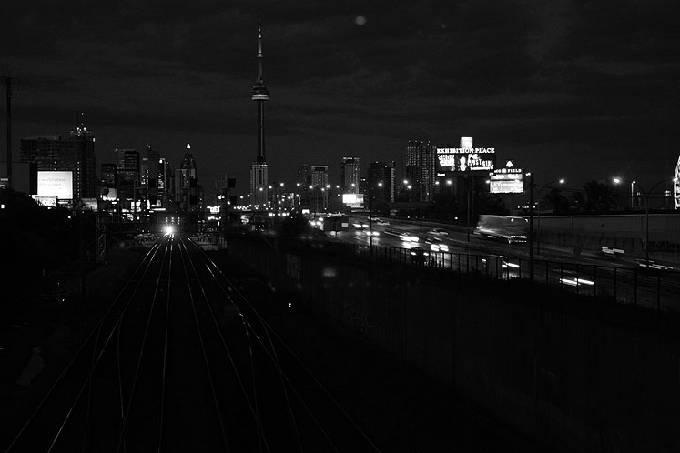 World Travel Photos :: Night views :: Toronto at night - Gardiner Expressway