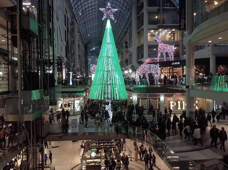 Toronto Photos :: Eaton Centre :: Xmas decorations in Eaton Centre