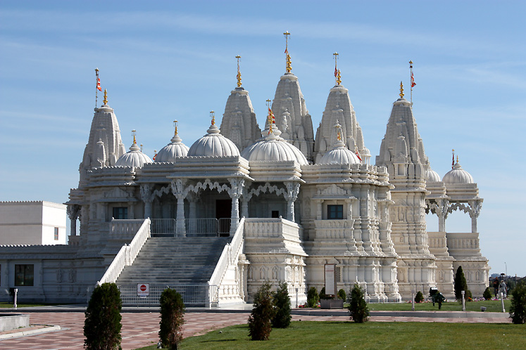 Hindu temple toronto photos canada n7554 for Religious buildings in india