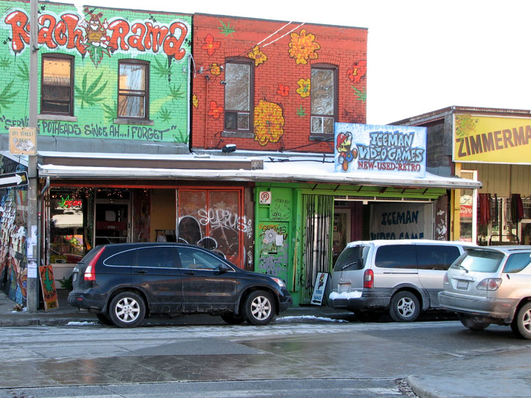 Toronto Photos :: Wall Murals & Graffiti :: Kensington Market shops