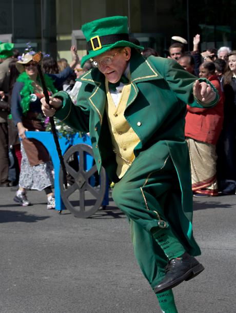 Toronto Photos :: Sergey-Tishin :: A dancing Leprechaun at St. Patrick´s Day Parade in Toronto