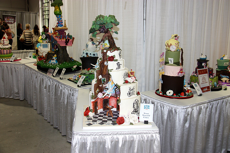 Toronto Photos :: Toronto  Misc :: Canada`s Baking & Sweets Show 2013. AA contest of the themed cakes
