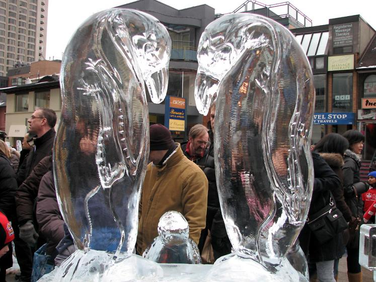 Toronto Photos :: Toronto Ice Fest 2009 :: eiffel tower - Penguins