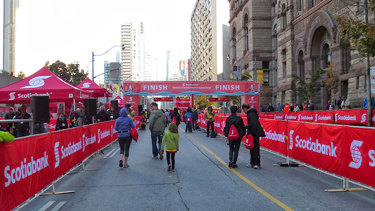 Toronto Photos :: Toronto  Misc :: Toronto. Scotiabank marathon, October 2013 - Finish